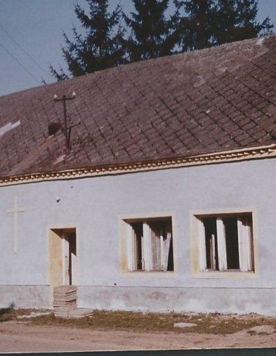 Az egykori iskola, mely helyén épült a kápolna