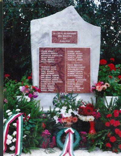 Hősi és kitelepítési emlékmű