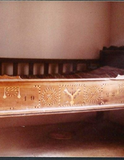 Intarziás ágy 1923 Korn Terézia menyecske ágya (Rujzam Jánosné)