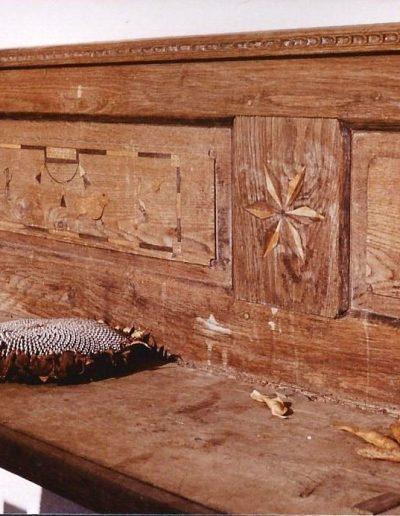 Intarziás pad a Kiszlinger Ferenc ház gádorában