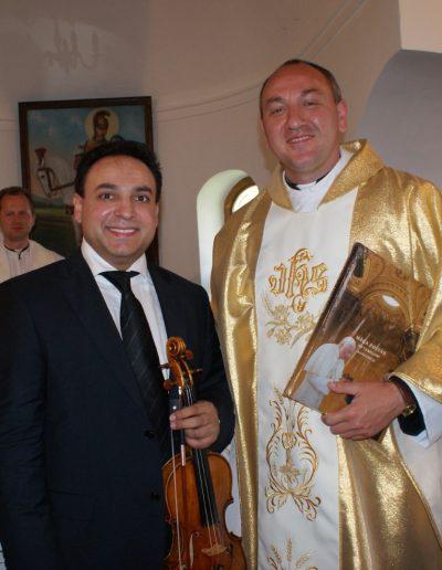 Mága Zoltán hegedűművész és Tál Zoltán plébános