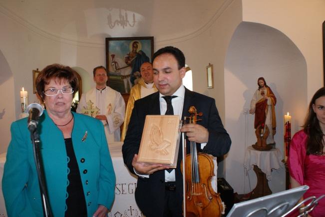 Mága Zoltán és Wenczel Mária a templomépítő díszpolgár