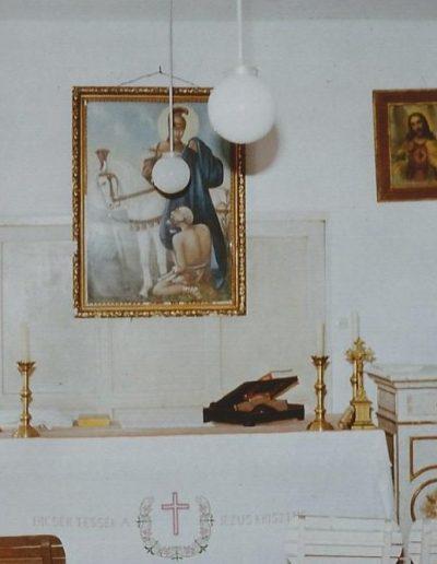 Oltár az egykori iskolában