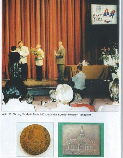 Mária kitűntetése Ehrenpreis díjjal 2001.